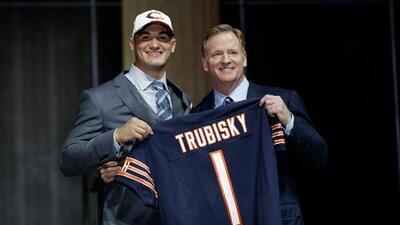 Chicago Bears apostaron todo por tomar a Mitch Trubisky