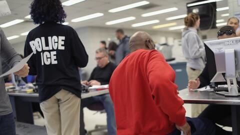 Agentes de ICE ya no podrán arrestar a inmigrantes en las cortes del estado de Nueva York sin la orden de un juez