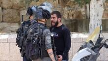 Fotos: Más de 200 palestinos heridos tras choques con la policía israelí en este sitio 'sagrado' de Jerusalén