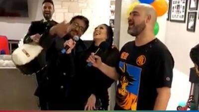 Cantando a grito herido: Carla y El Feo se unieron para festejar al Pelón en su cumpleaños