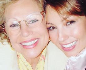 Thalia recuerda a su mamá a 8 años de su muerte