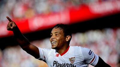 Sevilla se consolida arriba y agrava situación del Málaga