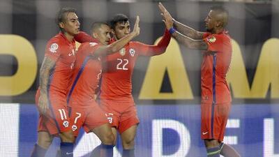 El campeón Chile será el rival de México en cuartos de final al eliminar a Panamá