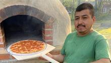 Un horno de leña, el proyecto de un padre hispano que explotó su creatividad durante la cuarentena
