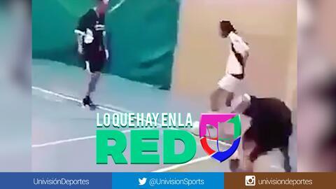 Ni Ronaldinho humillaba así a sus rivales en el fútbol de salón