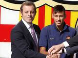 Neymar irá a juicio y piden dos años de cárcel por su fichaje con Barcelona
