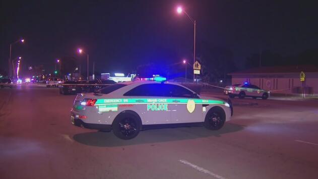 Policía de Miami-Dade investiga un tiroteo que dejó una mujer baleada en Liberty City