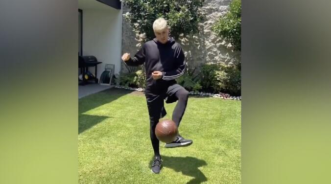 Gran recuperación: Nico Castillo ya trabaja con balón