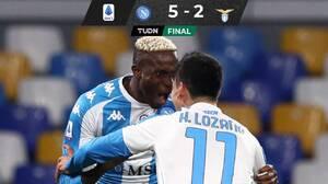 Con apuros y asistencia del Chucky, Napoli goleó a la Lazio