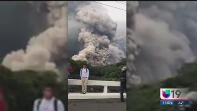 Guatemaltecos en Sacramento sufren a la distancia la erupción del Volcán de Fuego