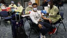 Aeropuerto Internacional de Miami empieza a vacunar contra el coronavirus a turistas y viajeros sin cita previa