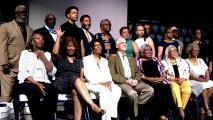 Recibieron sus diplomas más de 50 años después por haber protestado contra el racismo cuando eran estudiantes