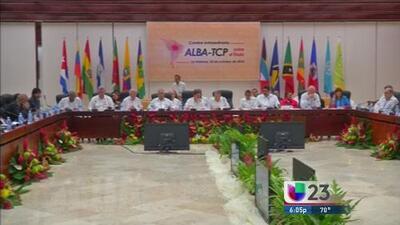 """Maduro dice ALBA dio """"paso al frente"""" ante ébola y propone reunión de CELAC"""