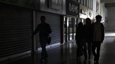 Venezuela está a oscuras nuevamente: un nuevo apagón afecta a varios estados del país