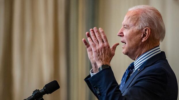 Biden conmemora el 'Domingo Sangriento' con un decreto para garantizar el derecho al voto