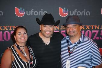 Lucky Fans met Michael Salgado at our Uforia Summer Concert Series #1