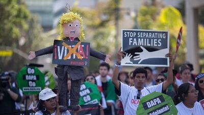 Cada vez más inmigrantes en EEUU buscan hacerse ciudadanos para votar en contra de Donald Trump