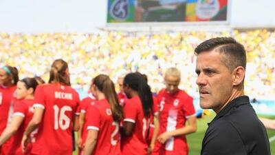 Rompiendo estereotipos: DT de Canadá que fichó a Stephen Eustáquio dirigió a la selección femenil