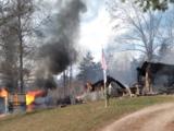 Niño de 7 años rescata a hermanita del feroz incendio que destruyó su casa
