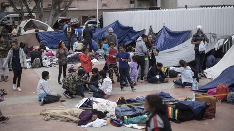 """Ocho migrantes de la caravana que entraron a EEUU """"tienen razones válidas para pedir el asilo"""", dice abogada"""