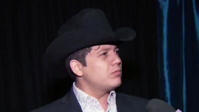 El grupero Remy Valenzuela quiere casarse en Estados Unidos, pero aún no tiene visa