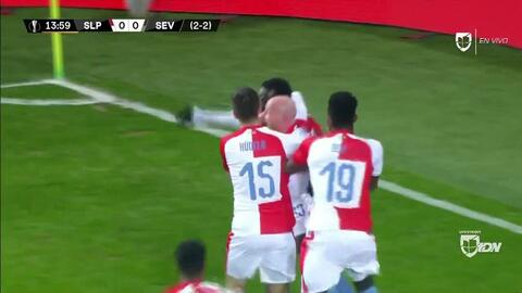 ¡GOOOL! Michael Ngadeu-Ngadjui anota para Slavia Prague