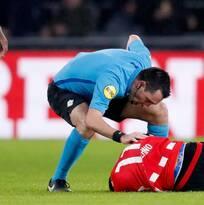 Chucky hizo doblete en el triunfo del PSV… luego terminó en el hospital
