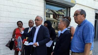 Las manzanas podridas de la avenida Roosevelt en Queens pagarán 10,000 dólares de multa