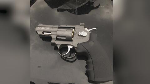 La Policía de Ceres arrestó a un hombre sospechoso de portar armas de juguete