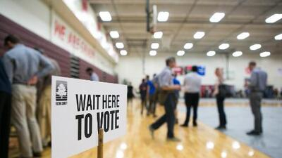 Demandan a cuatro condados de Georgia por problemas durante elecciones