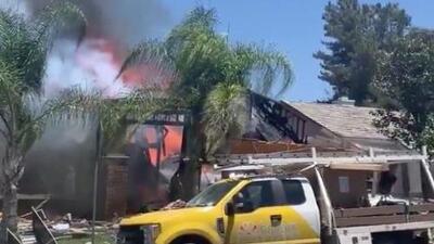 Un muerto, 15 heridos y una vivienda destruida tras explosión de gas en el sur de California