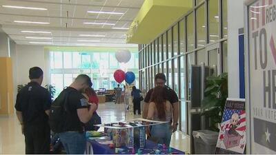 En el Día Nacional de Inscripción de Votantes varias organizaciones invitaron a los hispanos a registrarse