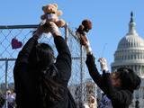 EEUU localiza a las familias de 105 niños que fueron separados en la frontera durante el gobierno de Trump