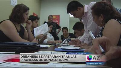 'Dreamers' se preparan para los planes migratorios de Donald Trump