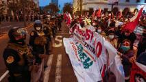 """""""No queremos que nos roben votos"""": crece la tensión en Perú por la larga espera para conocer los resultados electorales"""
