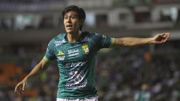 Chivas a la espera: negociación entre JJ Macías y León, sin avances