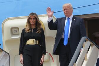 EN FOTOS: Así lucieron Melania e Ivanka Trump en su llegada a Arabia Saudí (sin velo)