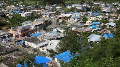 Damnificados en Puerto Rico siguen a la espera de ayuda a pesar de la operación Techo azul