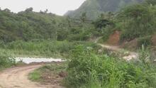 Debido a las inundaciones se desliza un puente en el pueblo de Utuado
