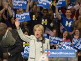 """Clinton: """"Mañana esta campaña se vuelve nacional"""""""