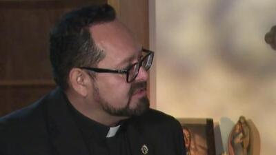 """""""Hubo llantos y gritos"""": sacerdote narra cómo le comunicó el fallecimiento de las víctimas de El Paso a sus familias"""