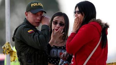 Colombianos en el sur de Florida realizan vigilia en honor a las víctimas del atentado en Bogotá