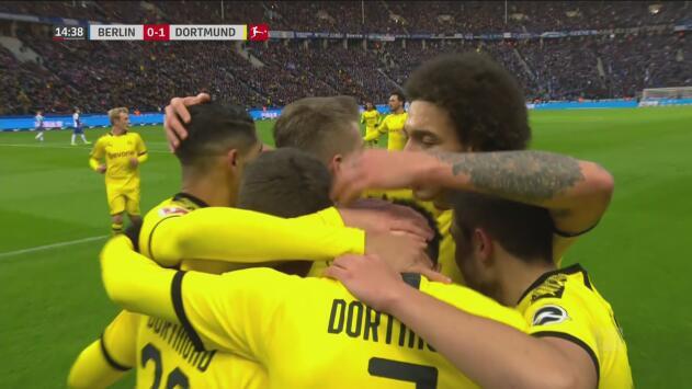 ¡Llega su majestad! Espectacular definición de Sancho para poner arriba al Dortmund