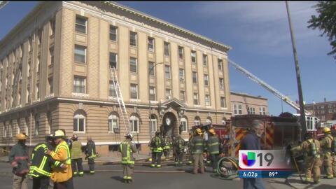 Incendio en Stockton deja cuatro heridos leves y decenas de desplazados