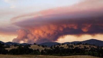 Fuego en California: Vea el timelapse del incendio en Pope Valley al atardecer