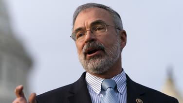 Salta la alarma del detector de metales cuando un representante republicano intenta entrar armado a la Cámara Baja