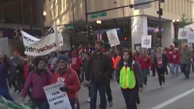 """""""Siempre han puesto excusas"""": delegados definen si habrá huelga del Sindicato de Maestros de Chicago"""