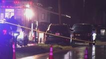Un herido y dos oficiales involucrados: investigan tiroteo en un parque de casas móviles en Davie