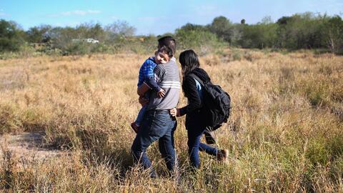 Cómo sucede el proceso de separación de familias indocumentadas en la frontera