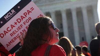 Nueva demanda podría revertir decision de Corte Suprema sobre los programas DACA y DAPA